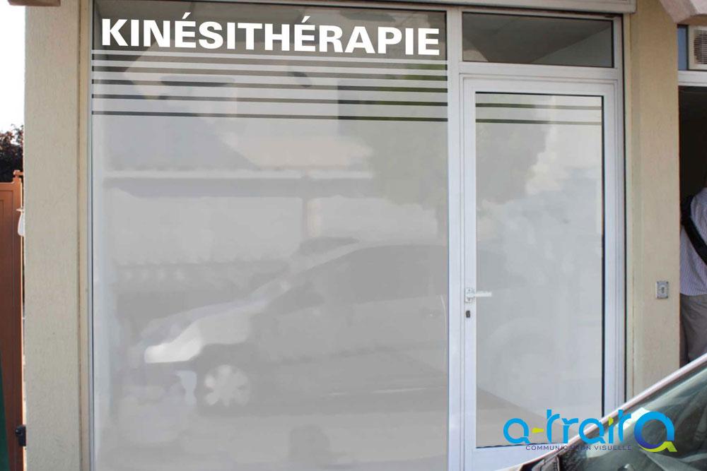 Adhesif Depoli Vitrine : masquage vitrine en adh sif d poli ~ Edinachiropracticcenter.com Idées de Décoration