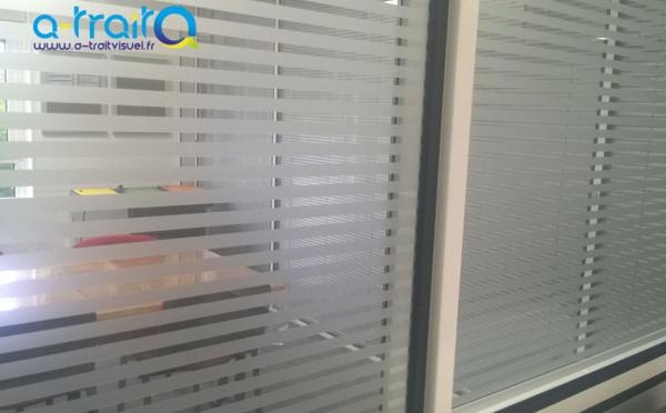 Bandes adhésives dépolies sur vitres