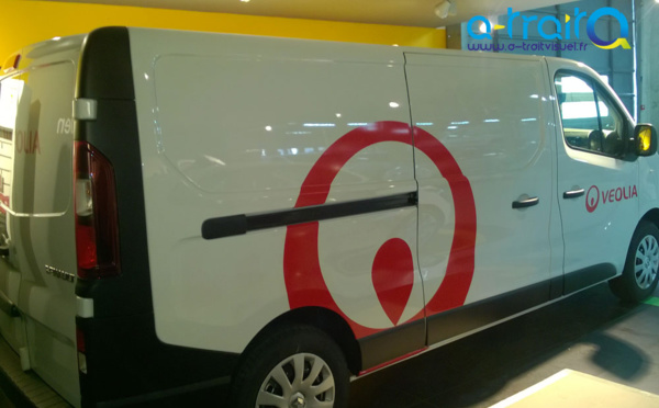 Marquage Véolia sur Renault trafic